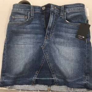 Joe,s Darcy Jean Skirt Size 25 NEW!!!